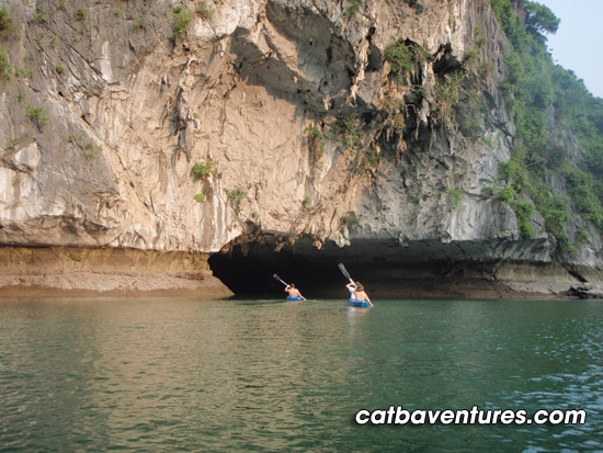 cat ba tourist boat, sailing boat in cat ba, sailing boat in ha long 2