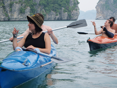 Trekking in Cat Ba National park, Kayaking in Cat Ba 2
